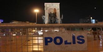 Taksim Cumhuriyet Anıtı Çevresi Kapatıldı