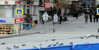 Taksim'de Şüpheli Bavul Kontrollü Patlatıldı