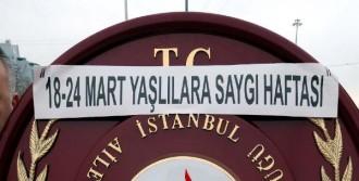 Yaşlılar Haftası İçin Taksim'de Tören