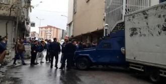 Polislere Taşlı Sopalı Saldırı