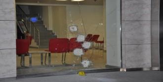 Tarsus'ta Bankaya Silahlı Saldırı