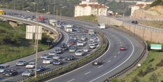 Tatil Dönüşü Tem'de Trafik Yoğunluğu