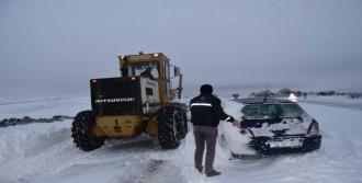 Tekirdağ'da 77 Köy Yolu Kardan Kapandı
