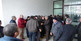 Dolmuşçular Belediye Meclisini Bastı!