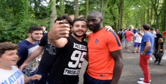 Trabzonspor'a Hollanda'da Sevgi Seli