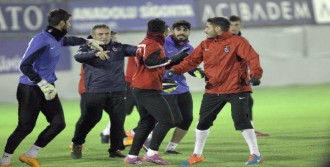 Trabzonspor'da Yanal İlk Antrenmanına Çıktı