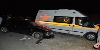 Ambulans Otomobille Çarpıştı: 6 Yaralı