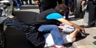 Trafikte Tartıştığı Sivil Polisi Sopayla Yaraladı