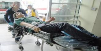 Tramvayda İleri Gitmesini İstediği Genç Tarafından Bıçaklandı