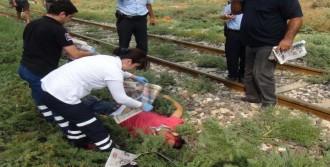 Trenin Çarptığı Genç Öldü