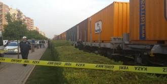 Trenin Çarptığı Öğretmen Öldü