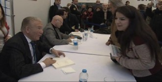 Özkan'ın Son Kitabını Balbay İmzaladı