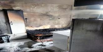 Yangında 3 Öğrenci Yaralandı