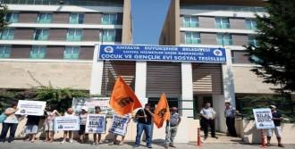 TÜRGEV'e Ücretsiz Tahsis Protesto Edildi