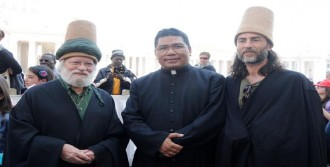 Türk Dervişler, Vatikan'da Papa'yla Görüştü