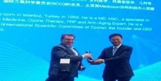 Türk Doktora Çin'den Ödül
