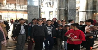 Öğrenciler Gazi Meclisi Ziyaret Etti