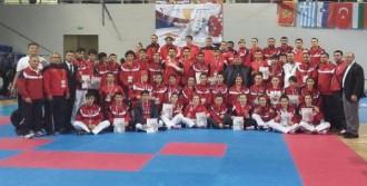 Türkiye Şampiyon Oldu