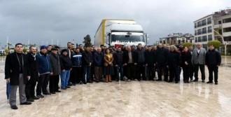 Türkmenlere Yardım Malzemesi Gönderildi