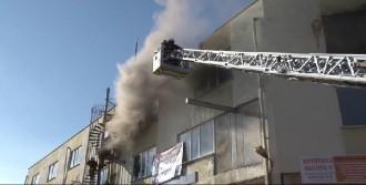 Polyester Fabrikasında Korkutan Yangın