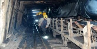 Maden İşçileri 26 Saat Sonra Ocaktan Çıktı