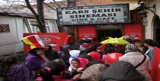 750 Bin Çocuğu Sinemayla Buluşturdu