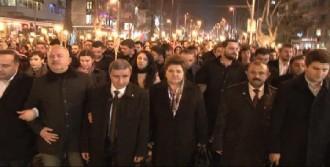 Bağdat Caddesi'nde Yürüyüş Yaptılar