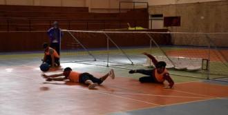Görme Engellilerle 'Goalball' Oynadı