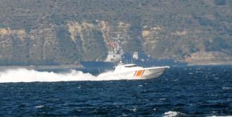 Savaş Gemisi Karadeniz'den Döndü