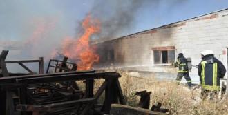 Vagon Fabrikasında Yangın Paniği