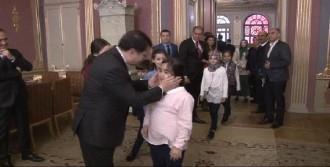 Vali Şahin, Koltuğunu Lara Şensoy'a Bıraktı