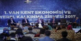 Türkiye-İran İlişkileri Konuşuldu