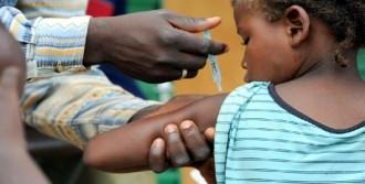 '900 Bin Kişiye Sarıhumma Aşısı'