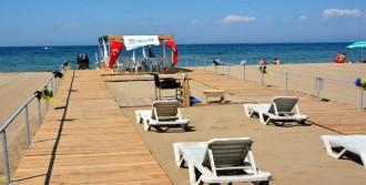 Yalova'da Engellilere Özel Plaj Hizmete Girdi