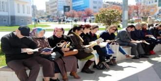 Yalova'da Kitap Okuma Etkinliği
