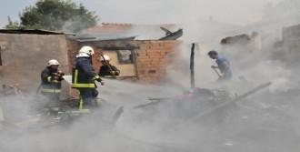 Roman Mahallesinde Korkudan Yangın
