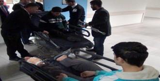 Yaralı Türkmenler, Tedavi İçin Mersin'e Getirildi