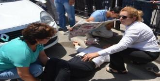 Yaralıyı Güneşten Gazete Açarak Kordular