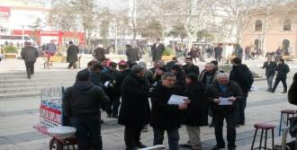 Yasaklı Meydanda Yasağı Protesto Ettiler