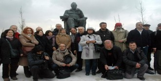 Yaşar Kemal'ın Heykeli Yeni Yerine Taşındı
