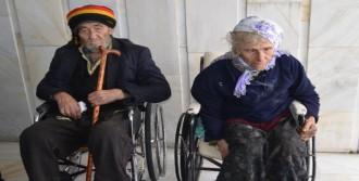 Yaşlı Çifte Devlet Yardım Elini Uzattı