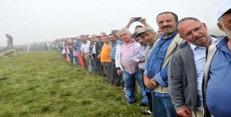 Yaylada 6 Bin 550 Kişi Sıraya Girip Bayramlaştı
