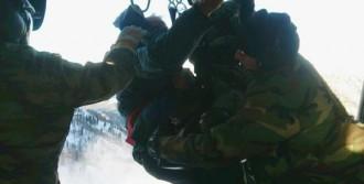 3 Kişi Askeri Helikopterle Kurtarıldı