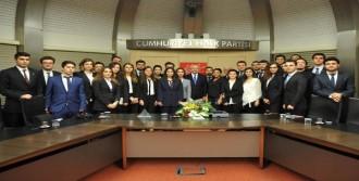 Y.Ü. Öğrencileri Kılıçdaroğlu'nu Ziyaret Etti