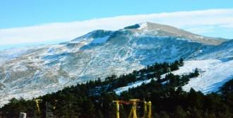 Uludağ'da Tek İhtiyaç Kar Yağışı