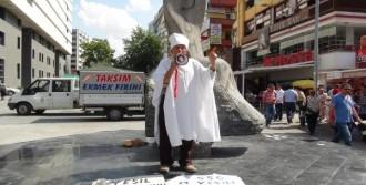 Kefen Giyip Cenaze Namazı Kıldı