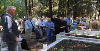 Yeşilçam'dan Mezar Ziyareti
