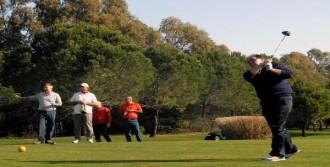 Demirören Golf Turnuvası'na Katıldı