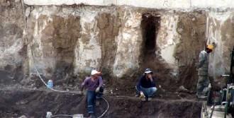 Yol İnşaatında İnsan Kemikleri Bulundu