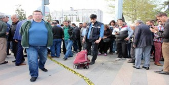 Şüpheli Çanta Bomba Paniğine Neden Oldu